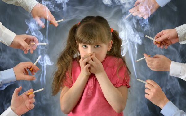 Smoking,In,Front,Of,The,Child,Kid,.a,Little,Girl